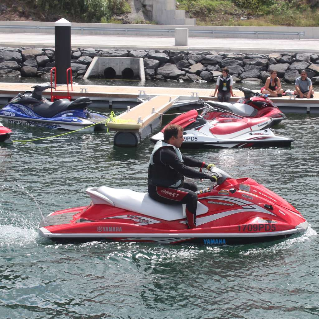 Passeios – Barco & Moto de Água